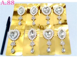 Bros Kristal Love Oval Putih / 6 pcs ( A-8320 )
