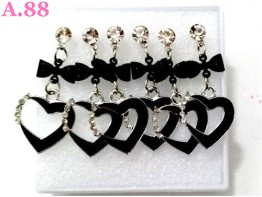 Anting Hitam Jurai Love / 1 box ( A-8324 )