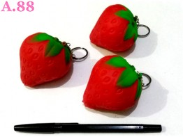 Gantungan Kunci Squisi Strawberry  /3pcs (A-9010)