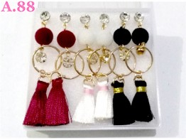 Anting Pompom Rumbai  / box (A-8560)
